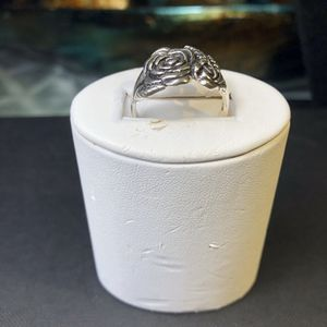925 sterling silver flower ring size 9 for Sale in Manassas, VA