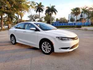 Chrysler 200 Limited 2016 white for Sale in Hollywood, FL