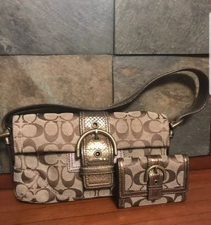 Coach clutch with matching wallet for Sale in Hastings, NE