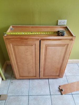 Kitchen wall cabinet 30x30 maple for Sale in Providence, RI