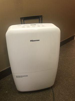 Hisense Dehumidifier DH-70k1SLE for Sale in Columbus, OH