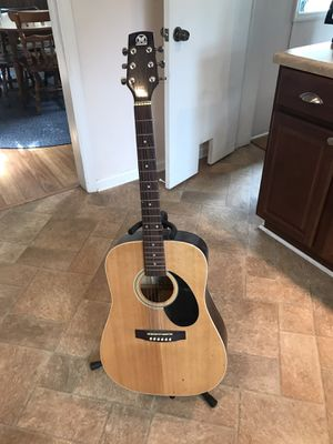 Hondo acoustic guitar model: H-115N and stand for Sale in Greenville, SC