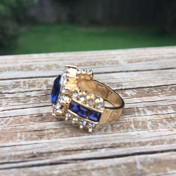 18k gold plated floral ring size 5,6,7,8, 10 available