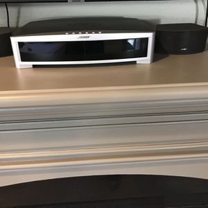 Bose Sound System W/DVD/CD for Sale in Long Beach, CA
