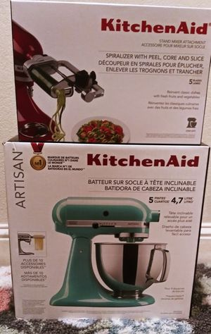 KitchenAid Artisan Tilt-Head Stand Mixer + Attachment for Sale in Sacramento, CA