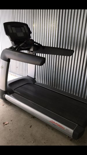 Life Fitness Commercial Treadmill 95T for Sale in Wall Township, NJ