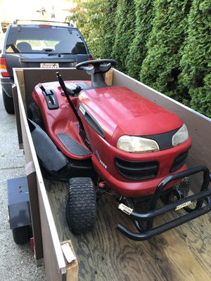Riding mower/tractor runs great! for Sale in Bonney Lake, WA