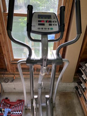SportsArt 807p Elliptical for Sale in Uxbridge, MA