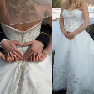 Wedding dress for Sale in Greenville, NC