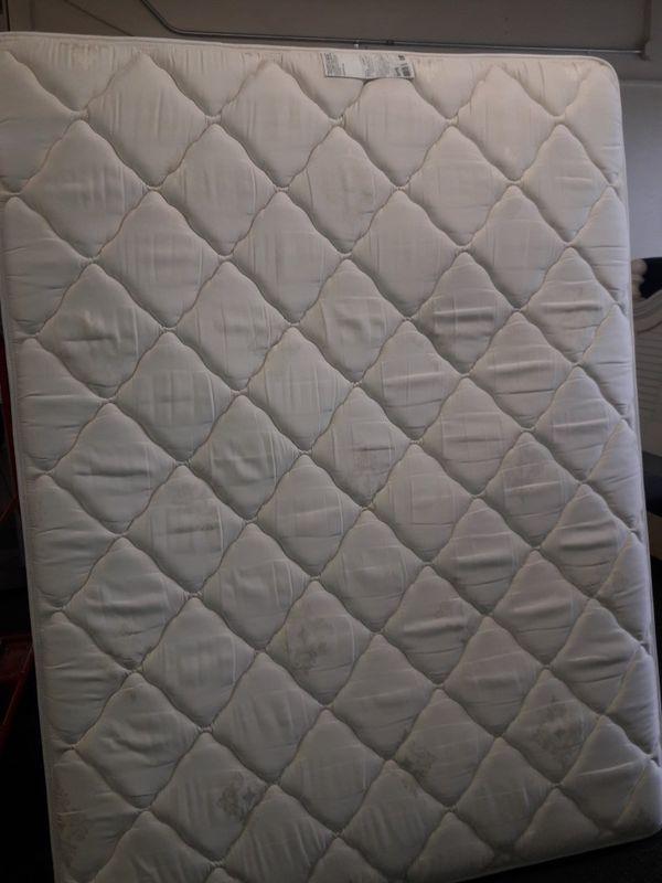 venta de colchón QUEEN con caja como nuevo con entrega