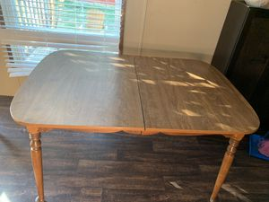 Table and chairs for Sale in Pflugerville, TX