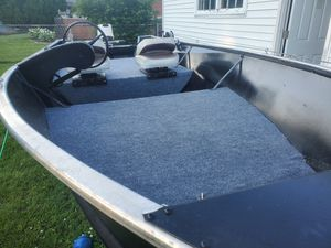 16 ft boat with motor for Sale in Saint CLR SHORES, MI