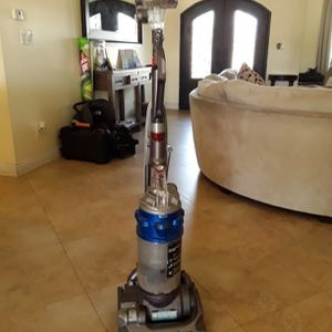 Vacuum cleaner, Dyson, Works Great for Sale in Downey, CA