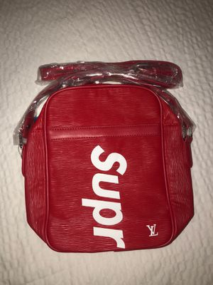 Brand New Louis Vuitton x Supreme Side Bag for Sale in Zephyrhills, FL