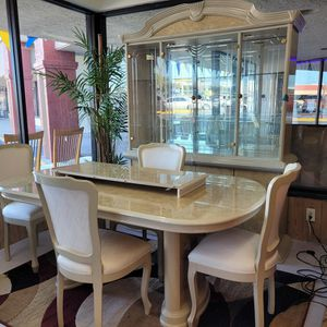 Gorgeous Dining Room Set for Sale in Port Richey, FL