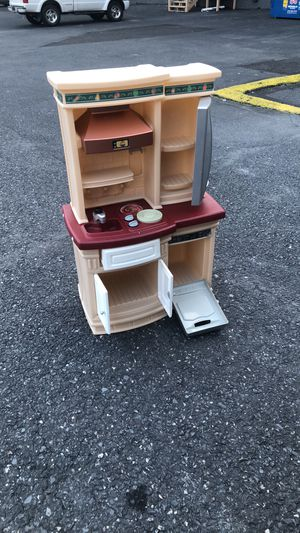 Kids kitchen set with condition for Sale in Catasauqua, PA