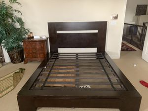 Queen Wood Bed Frame for Sale in Hayward, CA