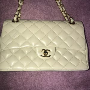 BEAUTIFUL CHANEL PURSE/BAG for Sale in Placentia, CA