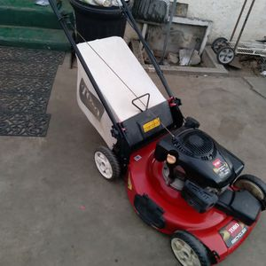 Toro Lawn Mower for Sale in Bell Gardens, CA