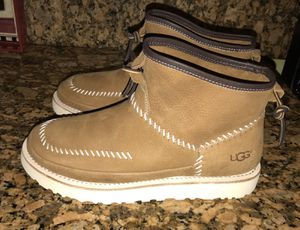 UGG Campfire Pull-on Boot for Sale in Fontana, CA