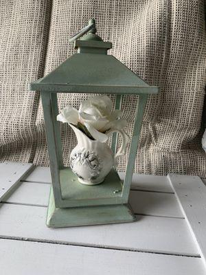 Farmhouse / shabby chic / lantern decor with ceramic vase w/flower decor for Sale in Deltona, FL