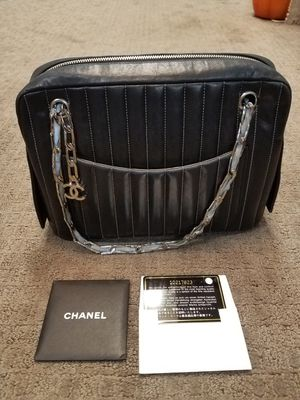 Authentic Chanel purse bag for Sale in Walnut Creek, CA