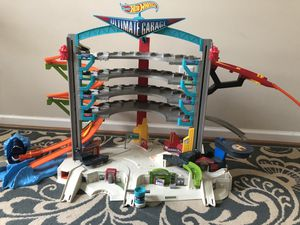 Hotwheels Ultimate Garage Set for Sale in Cary, NC