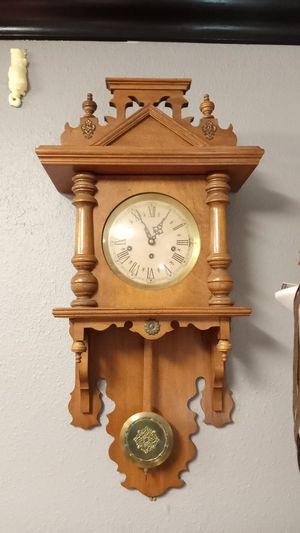 Antique clock for Sale in Lynwood, CA