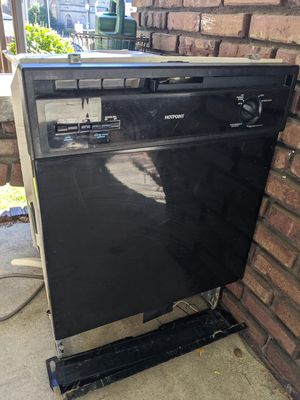 Hotpoint Dishwasher - Free - Now Pending Pickup for Sale in Tacoma, WA