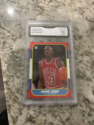 Jordan basketball card 1986 40$ for Sale in Fowler, CA