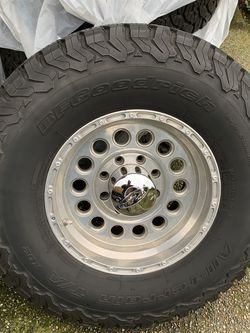 17x9 8 on 6.5 Ram 3500 Wheels And Tires for Sale in Sumner,  WA