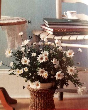 Ramo de flores blancas nuevo home Interior for Sale in Los Angeles, CA