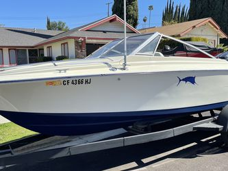 18 Ft Larson Ski Boat 150 Mercury Black Max 2021 Tags & Title Awesome combo for Sale in Buena Park,  CA