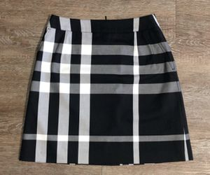Burberry mini skirt women size 2 NWOT for Sale in Raleigh, NC