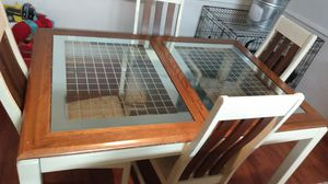 Kitchen glass table for Sale in Bel Air, MD
