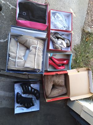 Pending pickup-Free women's shoes size 7 for Sale in Carmichael, CA