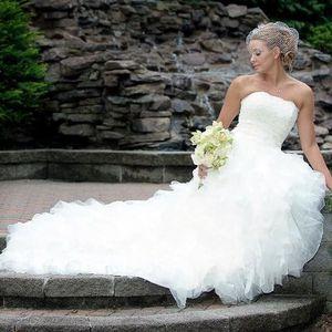 Vera Wang Wedding Dress for Sale in Falls Church, VA