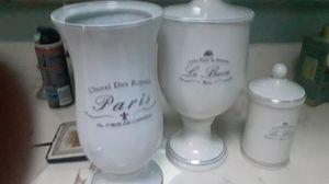 White bathroom set Luxe Pour la Maison set of 2 plus flower vase for Sale in Lakeside, CA