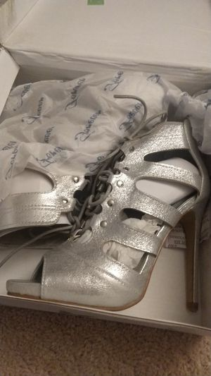 New high heels size 6 for Sale in Chandler, AZ