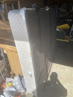 Free queen box spring frame for Sale in Buena Park, CA