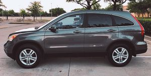 SELLING HONDA CRV 4 CYLINDERS for Sale in Cleveland, OH