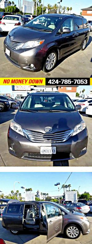 2011 Toyota Sienna XLE 8-Pass V6 for Sale in South Gate, CA