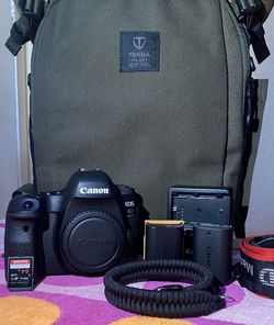 Canon EOS 6D Mark II DSLR Body for Sale in Santa Ana,  CA