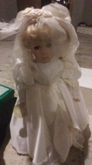 Antique doll for Sale in Greenville, SC