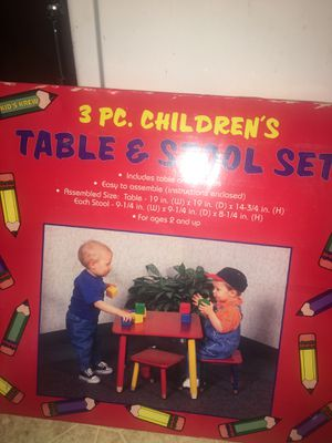 Kids 1999 table and stools for Sale in Selma, CA