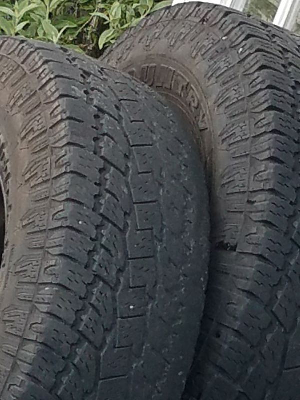 Lt 265 75 16 Chevrolet 8 lug rims and tires 265 75 R16 Toyo AT set of 4