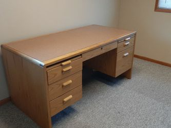 Solid Wood Desk for Sale in Newberg,  OR