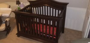 Baby / toddler crib and mattress for Sale in Mesa, AZ