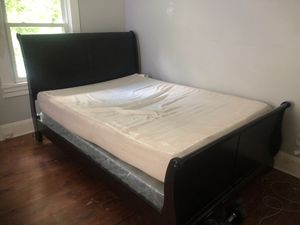 Queen bed for Sale in Atlanta, GA