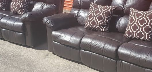 Recliner Couch Set (Delivery Available) for Sale in Carrollton,  TX